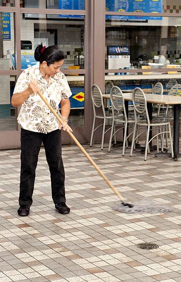 Hawaii Shopping Center Maintenance